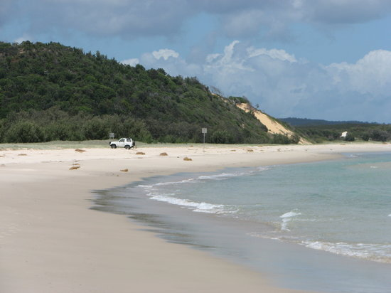 Moreton Island, Australia: Beach near North Point campground