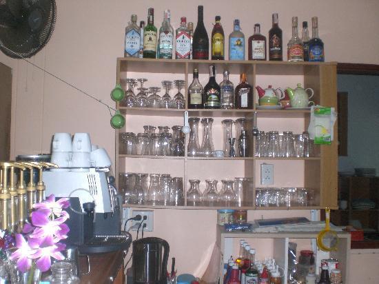 Morning Coffee: Great fresh coffee & full bar
