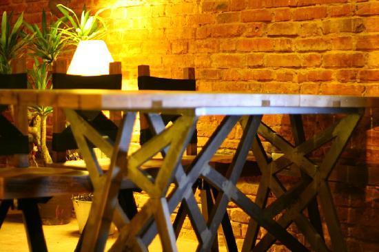 Canopee: Table Canopée bar & café in old street in Hanoi