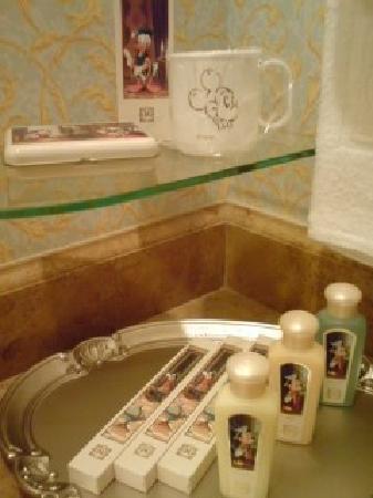 Tokyo DisneySea Hotel MiraCosta : シャンプー、リンスなどもディズニー