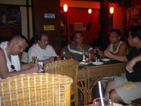 Handuraw Pizza Gorordo: Inside the AC part.
