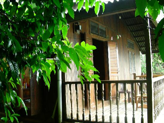 Bamboo Hill Chalets: Room