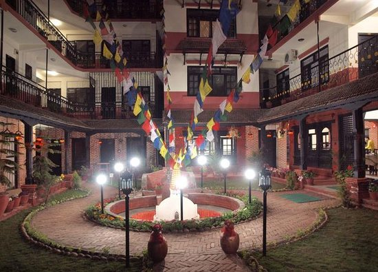Thamel Eco Resort: Stupa garden