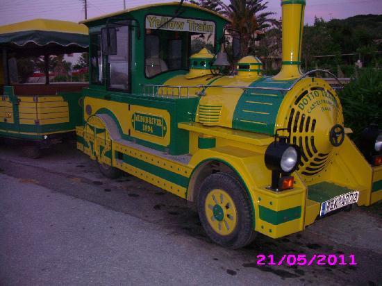 Hotel Gortyna: Экскурсионный паровозик.