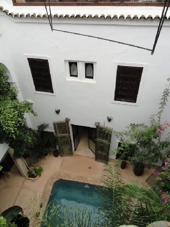 Riad Tawanza: piscine