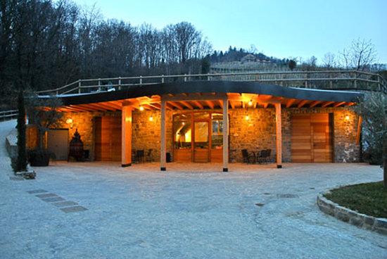Sotto il Monte Giovanni XXIII, Italie : The cellar outdoor