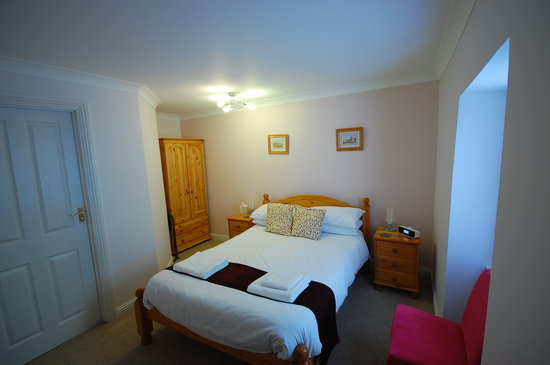 Roskhill House: Ground floor double room
