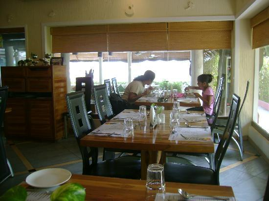 Palm Beach Hotel & Resort: restaurant