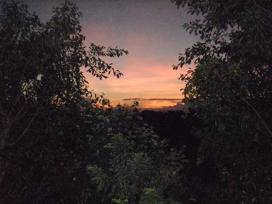 Uluwatu Gecko Inn: nice view at sunrise