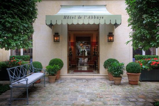 Hotel de l'Abbaye Saint-Germain: entrance