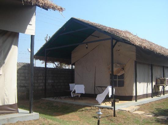 Club Mahindra Gir Resort: This is where we stayed