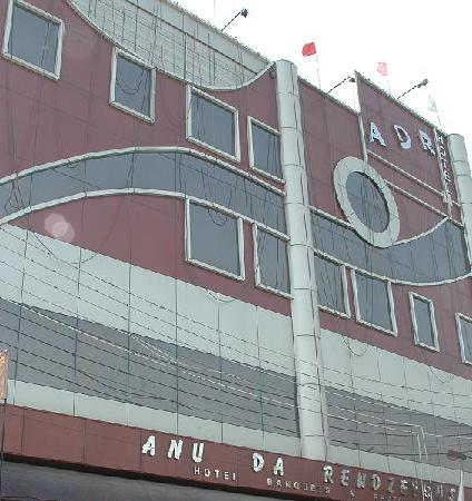 Hotel Anu Da Rendezvous: Front View of Hotel