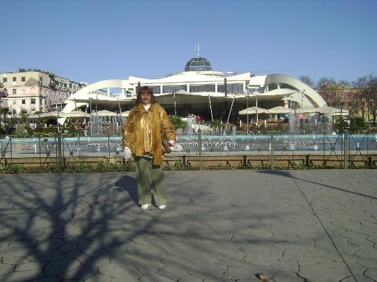 Tirana,en una plaza