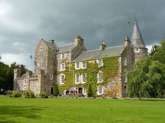 Fernie Castle Hotel: A marvellous setting for a wedding