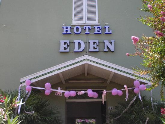 Hotel Eden: Un antica costruzione d'epoca-comoda a tutto il cuore di Riccione