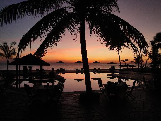 Нгве-Саунг, Мьянма: Coucher de soleil au sunny paradise