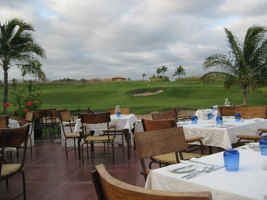 Hotel Cinco: Sufi Restaurant-golf course view