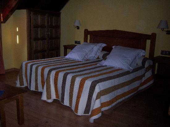 Casa Rafeleta: Habitación Puyalfá