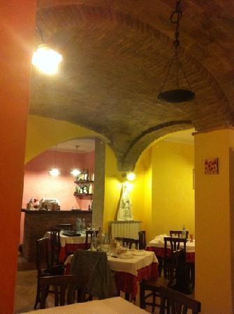 La Taverna di Mamma Luisa : OSTERIA DI MAMMA LUISA