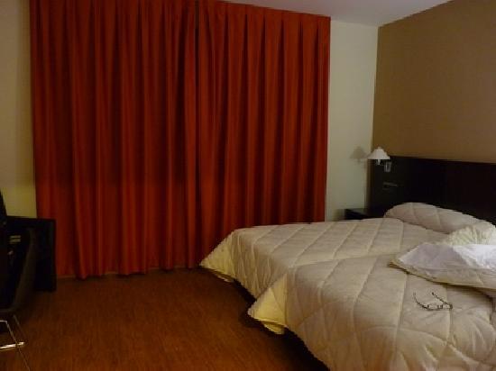 Requena, Spagna: detalle habitación