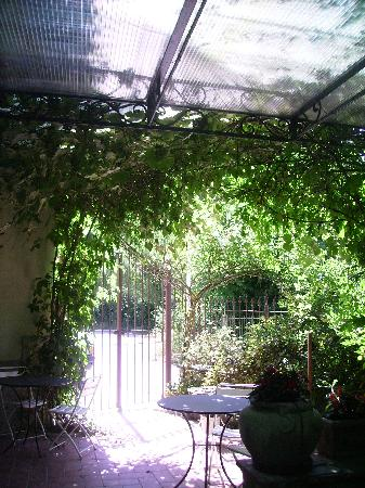 Hotel Mugello: Giardino-terrazza