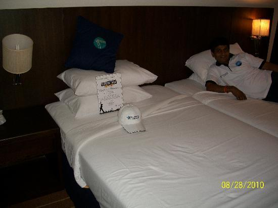 A-ONE Pattaya Beach Resort: bed