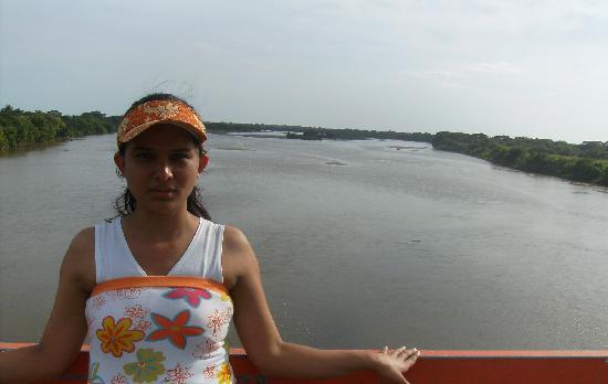 El Salvador: Cauce Río Lempa