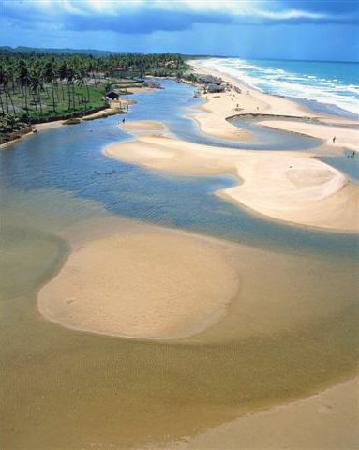 Imbassai: desembocadura del rio imbassai
