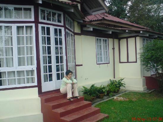 The Heritage Club-Tripura Castle: Outside our room