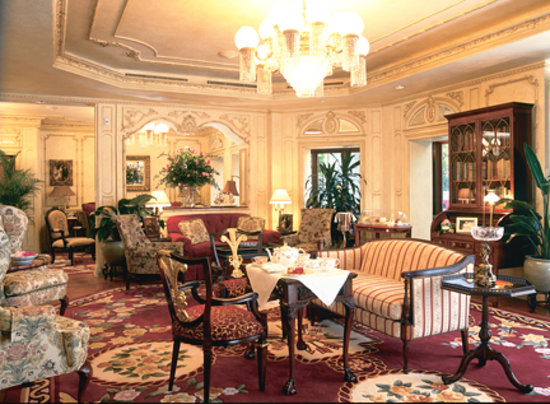 Prince of Wales: The Drawing Room for Afternoon Tea