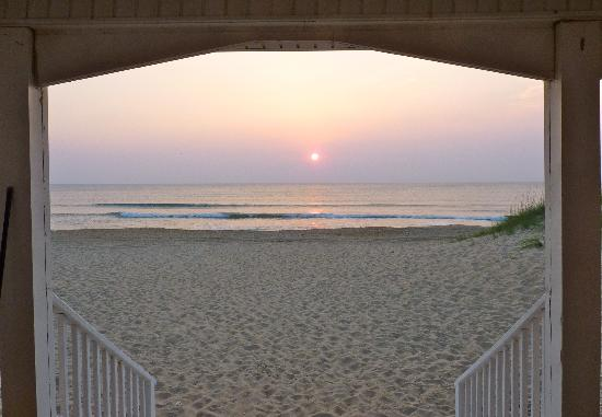 Cavalier by the Sea: Sunrise from the porch just outside our door.