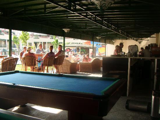 Mirage World Resort Hotel: 24 hour bar