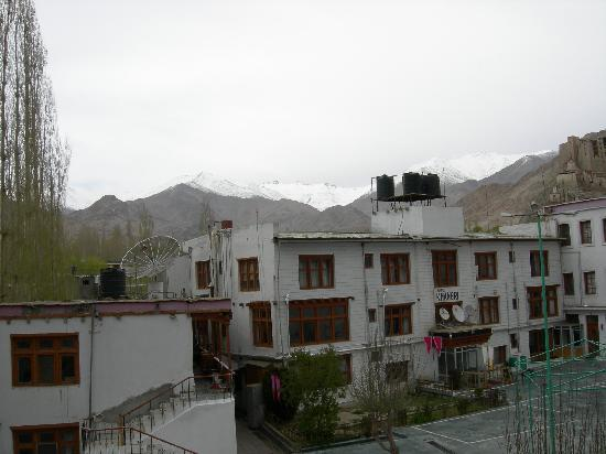 Khangri Hotel: View of the Hotel