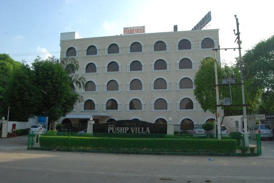 Hotel Pushp Villa: Hotel Deedar-e-Taj