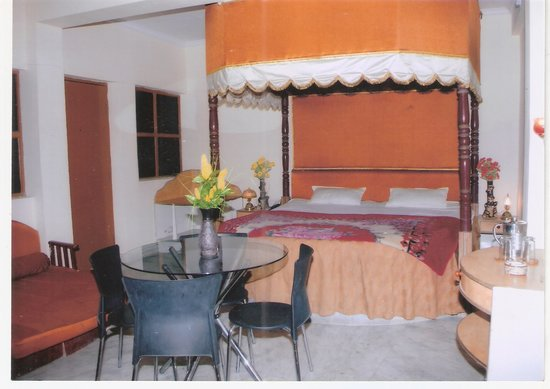 Hotel D Residency (a unit of Hotel D Surya): Hotel D-Surya