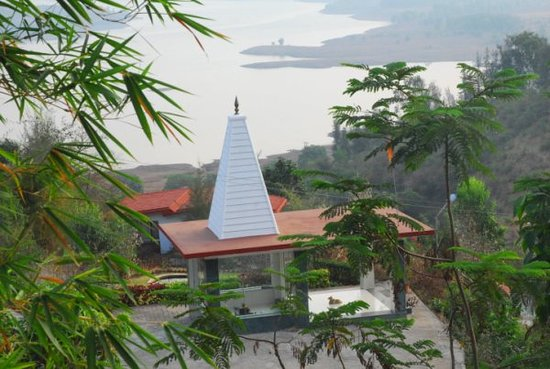 KARE Ayurveda & Yoga Retreat : Mulshi Lake Retreat Accommodation