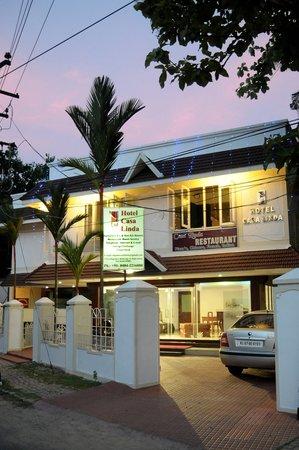 Casa Linda Hotel