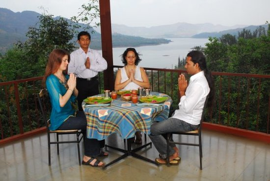 KARE Ayurveda & Yoga Retreat: Mulshi Lake Retreat Accommodation