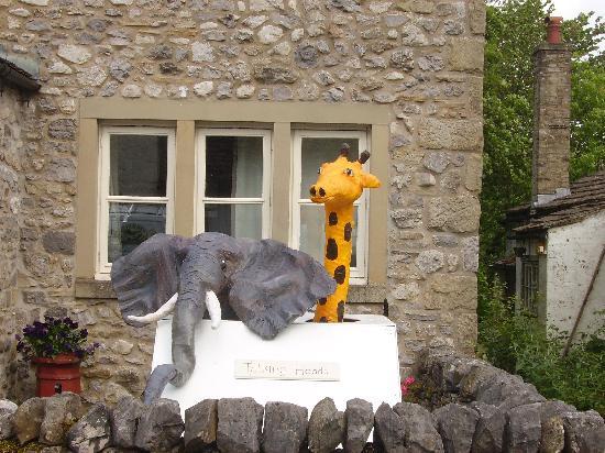 Pennycroft Guest House: Malham Village