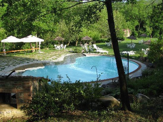 Agriturismo Il Mulino Delle Pile: La piscina