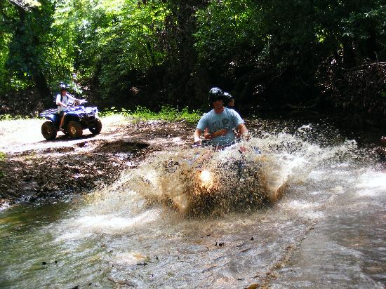 Arenas Adventures: ATV trips on the Dry Forest