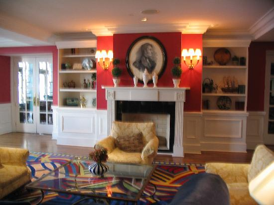 The Marshall House: Relaxing & Part Time Social Area