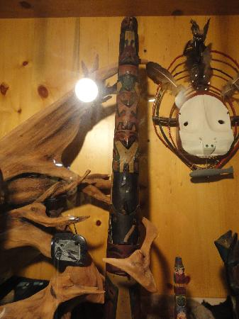 Frisco Native American Museum: Totem pole