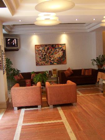 Exe Domus Aurea: The hotel reception area