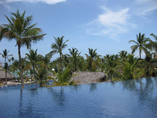 Barcelo Bavaro Palace : View from the second floor patio