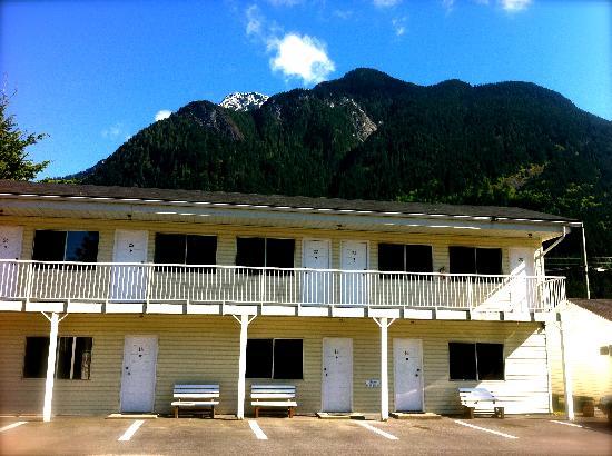 Park Motel: 2 storey building