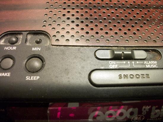 صن رايز إن: Filthy clock radio