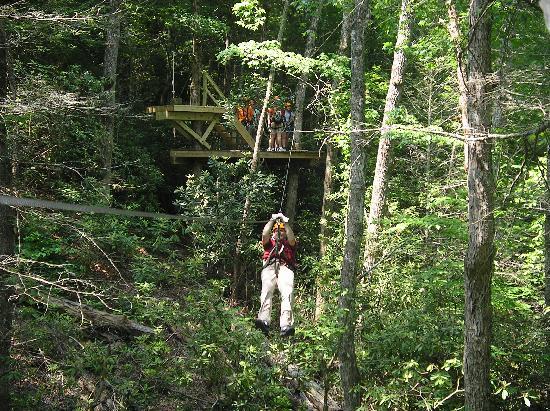 Wildwater Nantahala Falling Waters Resort & Canopy Tours: zipping thru the canopy