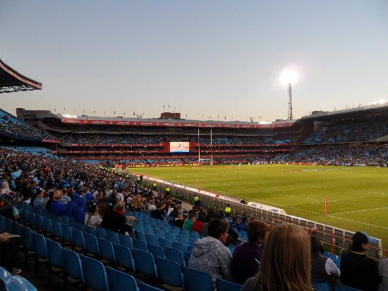 Loftus Versfeld Stadium: Evening falls