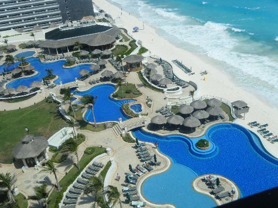JW Marriott Cancun Resort & Spa : zona de piscina